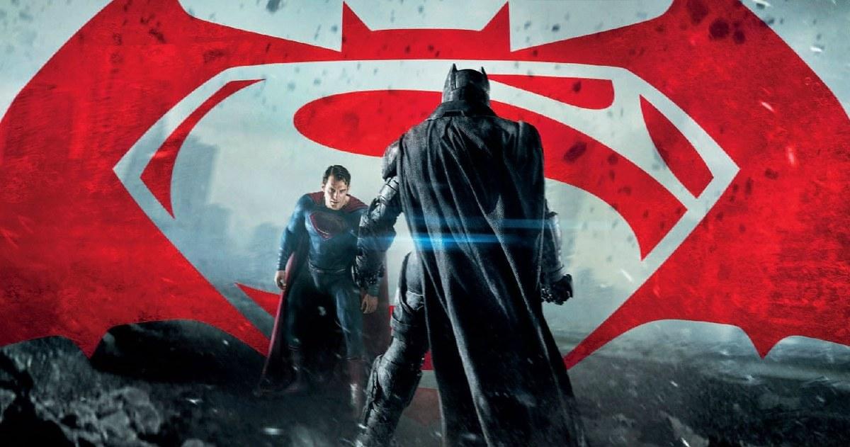 01042016_batman_v_superman_post